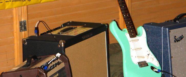 Η ηλεκτρική κιθάρα Stratocaster που έφτιαξε η Soto Onstage.